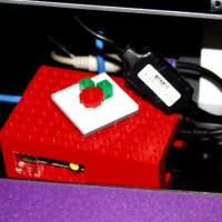 20130115-raspberry-pi-and-ps2-adapter