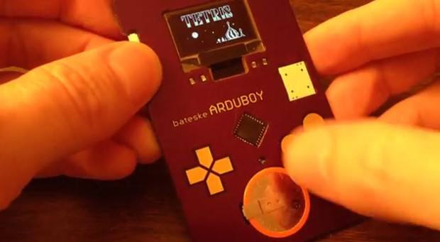 You can play Tetris on this hi-tech business card.