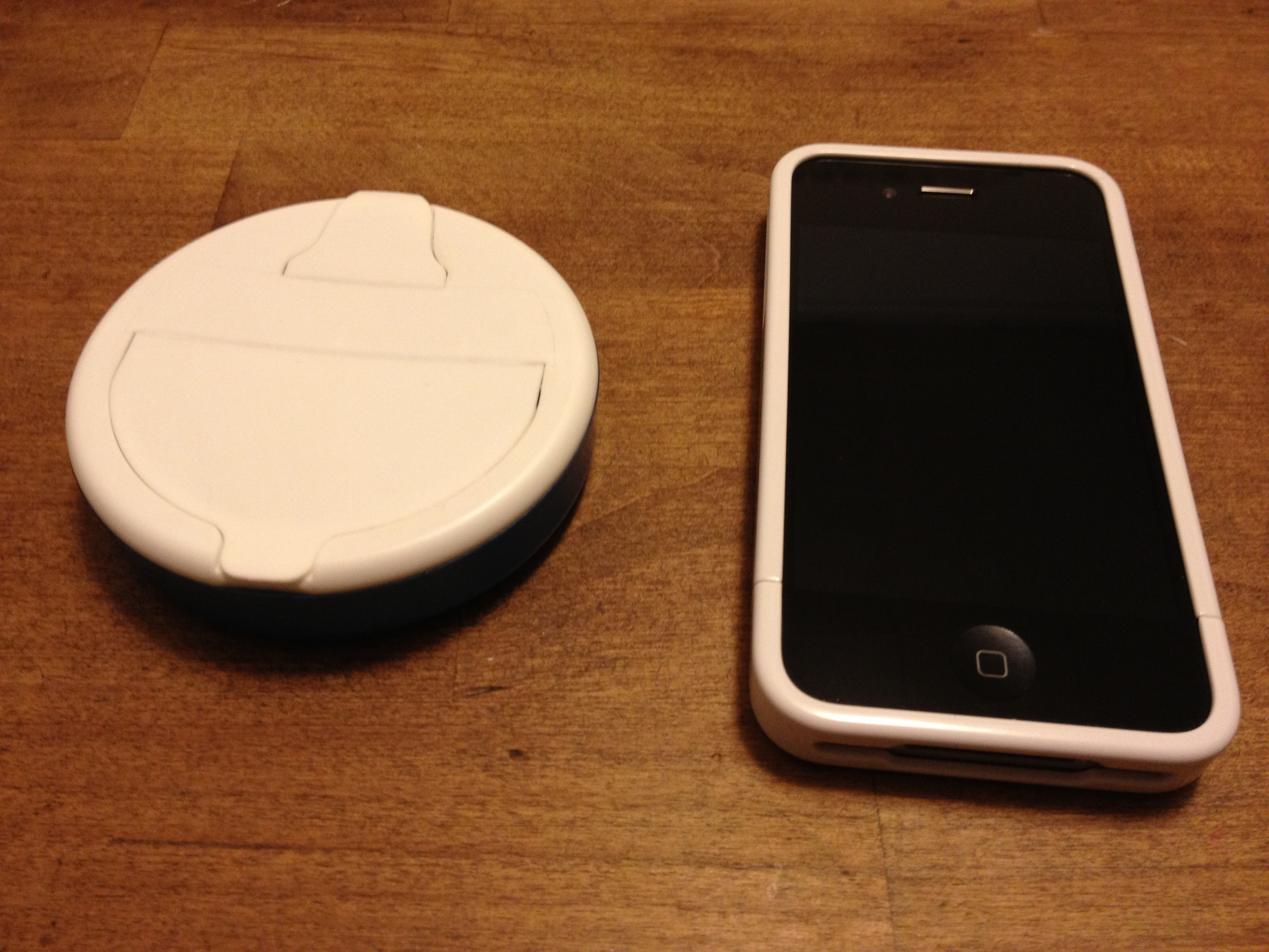 Ice Breakers Stand for iPhone 4, 4S, or OriginaliPhone